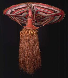 Masque de danse, Sulka, Nouvelle-Bretagne. Collecté par A.B. Lewis, durant l'expédition Joseph N. Field, 1909-1913. © The Field Museum, Chicago, A111293c. Photo J. Weinstein et D. Alexander White.