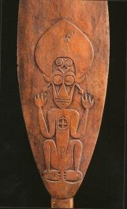 Détail d'une pagaie cérémonielle ornée d'un esprit kokorra, Buka ou Bougainville. H. : 170 cm.© Galerie Meyer, Paris.