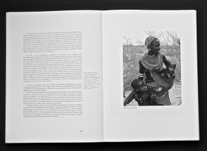 "Page 107, ""Mère Samburu, nord Kenya""."