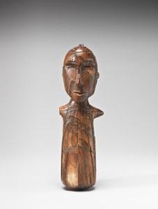 Figure masculine, Okvik/Old Bering Sea I, vers 250 av. J.-C.-100 ap. J.-C. Ivoire de morse. Dim. : 12,7 x 4,1 x 2,5 cm. A8020.