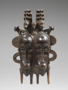 Masque double, Sénoufo, Côte d'Ivoire. Bois, H. : 32 cm. © Coll. Laura et James J. Ross. Photo John Bigelow Taylor.