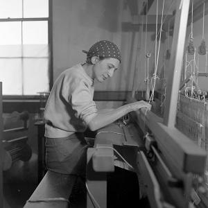 Anni dans son atelier