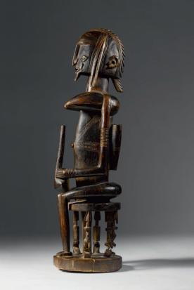 Figure dogon, Mali. Bois. H. : 69 cm. Ex. coll. Georges de Miré. © Coll. privée.